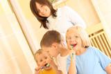 Fototapety preschoolers and white teeth