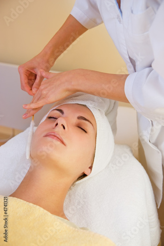 poster of Facial cryogenic massage in spa salon