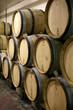 tonneaux de vin dans un cave #1
