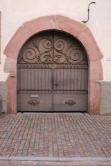 Porte d'entrée d'une propriété alsacienne (Kientzheim)