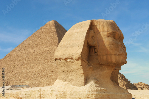 Leinwanddruck Bild sphinx and pyramid - egypt