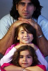 papa et ses deux filles