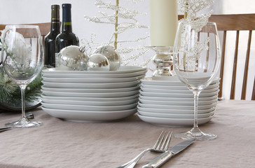 christmas dinner setting - white, bright & modern