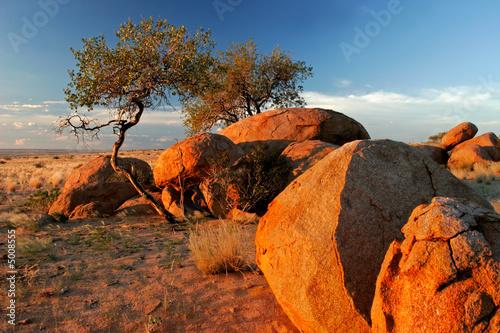 Leinwanddruck Bild Granite boulders, Brandberg, Namibia