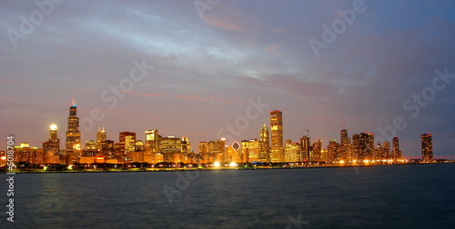 Chicago Illinois skyline in the evening