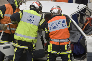 pompiers sur accident de la route-22