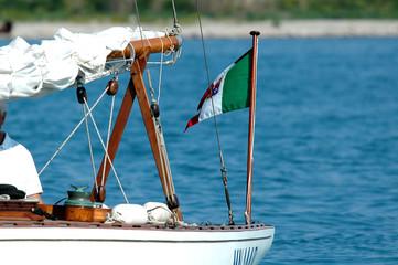 Particolare di barca a vela