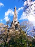 Tour Eiffel, autome et soleil ç Paris poster