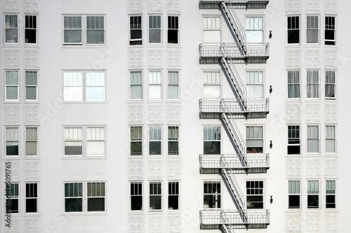 escalier de secours d 39 un immeuble am ricain de alexq photo libre de droits 5091765 sur. Black Bedroom Furniture Sets. Home Design Ideas