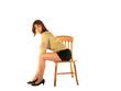 femme assise sur chaise