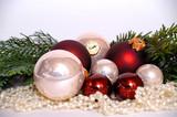 Weihnachten braune und weiße kugeln poster