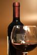 vino Rosso Con Bicchiere