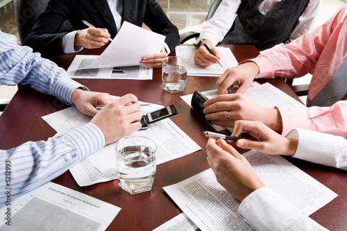 Fototapeten,business,hand,brainstorming,debatten