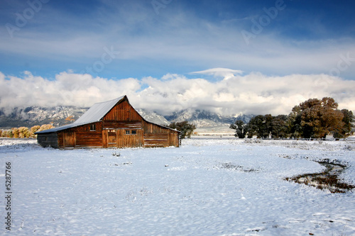 canvas print picture Winter Barn