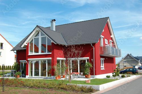 Leinwandbild Motiv Großes, rotes Glashaus - The Glashouse