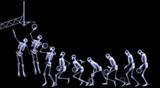 Xray Z lidské kostry hraní basketbalu