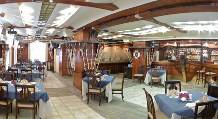 Panoram of the restaurant.