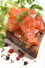 Smoked salmon sandwich with green salad