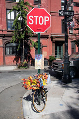 Fahrrad an einer Straßenecke in Soho, New York