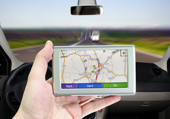 GPS VEHICLE NAVIGATION SYSTEM IN A MAN HAND