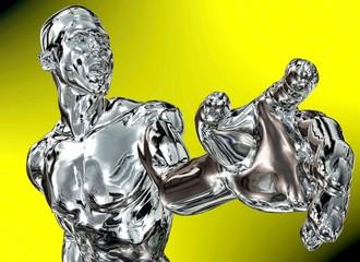 Silber-Mann vor gelbem Hintergrund