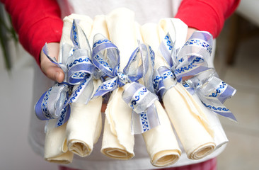 entertaining - napkins tied with ribbon