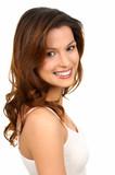 Piękna młoda kobieta w bieli - 5581746