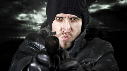 Undercover agent or delinquent firing handgun