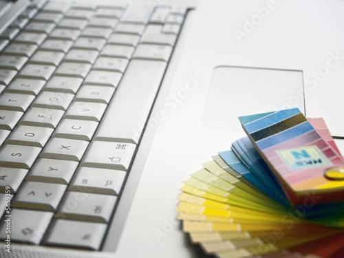 Tastatur mit Farbfächer