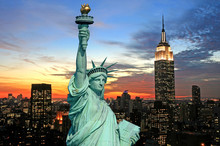 "Постер, картина, фотообои ""The Statue of Liberty and New York City skyline"""