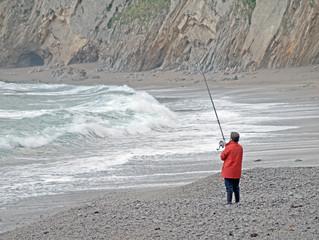Mujer pescando