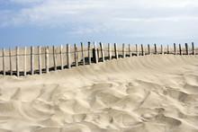 Erozja wybrzeża: ganivelles plaża ochrona
