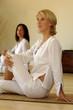 Leinwanddruck Bild Donne e yoga