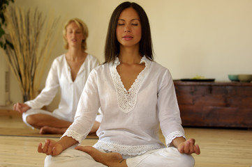Due Donne meditano