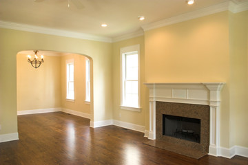 unfurnished livingroom with fireplace