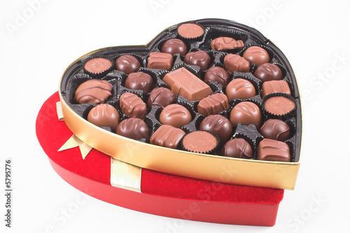 Aluminium Snoepjes A heart shaped box of chocolate Valentines candy.