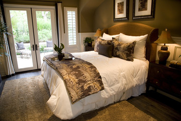 Spacious luxury bedroom.