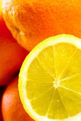 Zitrone und Orange