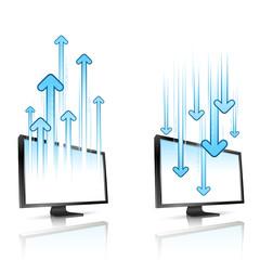 écrans d'ordinateur envoyant et recevant des données