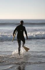 bodyborder running to the sea