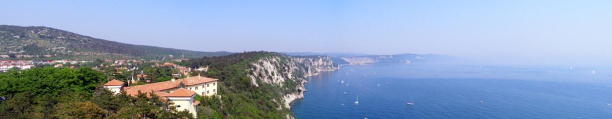 Trieste, duino aurisina paesaggio dal castello di duino