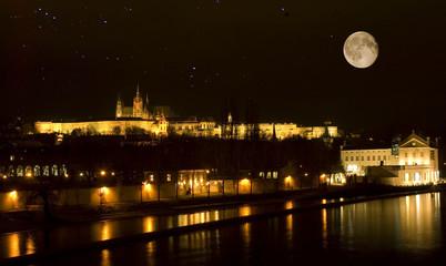 Praha Castle moon