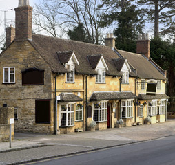 Pub high street broadway cotswolds worcestershire uk