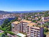 Résidence de vacances et piscine à Cannes, France poster