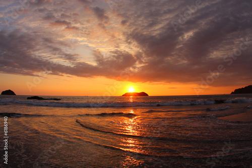 Fotobehang Centraal-Amerika Landen Sunset in Manuel Antonio National Park (Costa Rica)