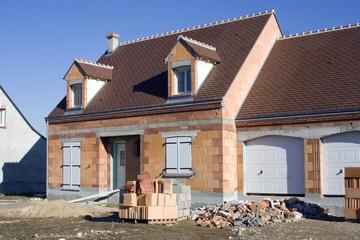 Urbanisme : maison en construction et lotissement