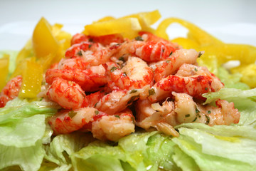 Salat mit Flußkrebsen