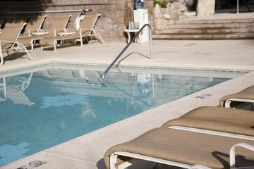 resort siwmming pool