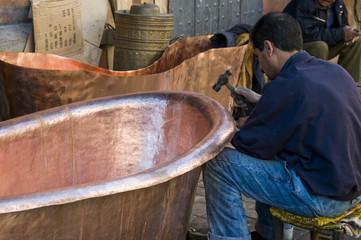Ouvrier du Souk de Marrakech, Maroc, Afrique du nord.