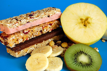 muesli,fruits,snack
